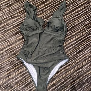 NWT cupshe one piece